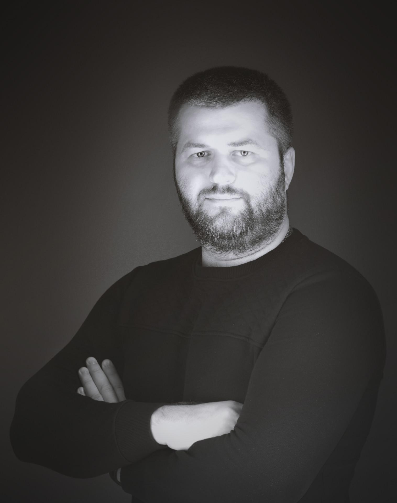 Іванов О.